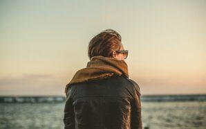 Kurtki i płaszcze wiosenne – co jest modne w tym…