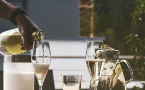 Eleganckie kieliszki do szampana – czym powinny się charakteryzować?